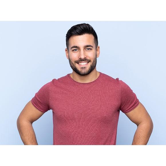 oczyszczanie męskiej twarzy – jak usunąć zaskórniki i trądzik?