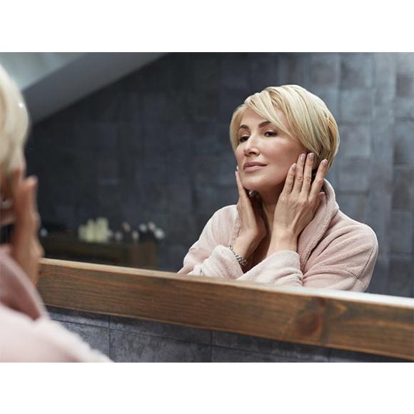 opadający owal twarzy. Jak ujędrnić osłabioną skórę?