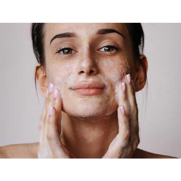 skóra wrażliwa – czym jest i po czym poznać skórę wrażliwą