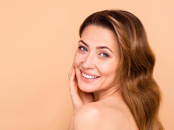 pielęgnacja wrażliwej skóry z pierwszymi zmarszczkami