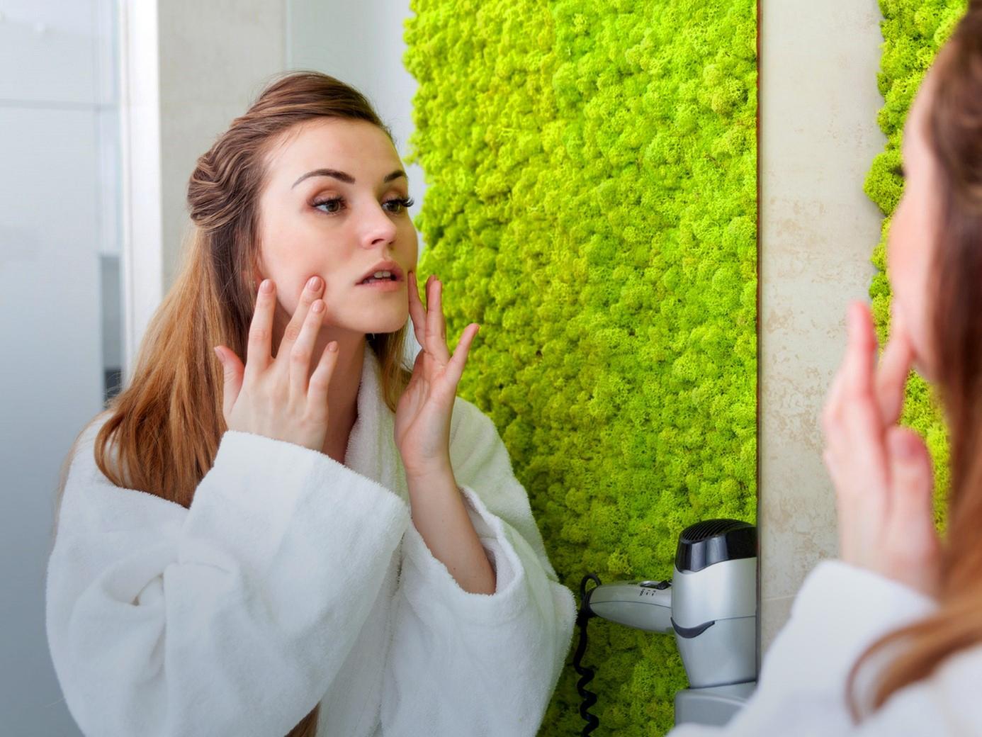 na czym polega proces starzenia się skóry i jak można go spowolnić?