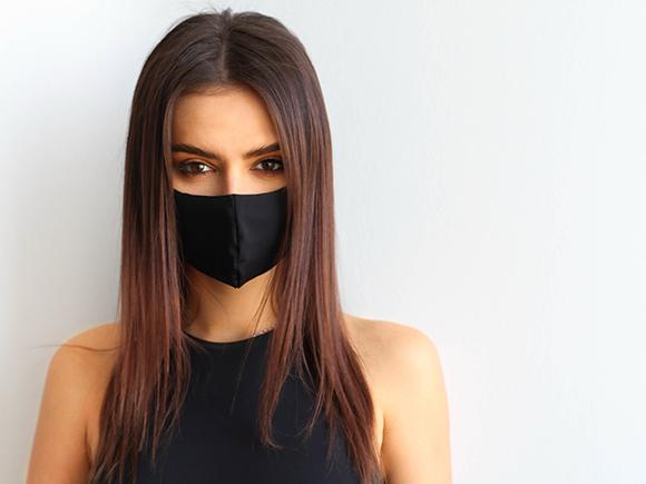 maskne – zmiany trądzikowe wywołane noszeniem maseczek. Jak radzić sobie z problemem?