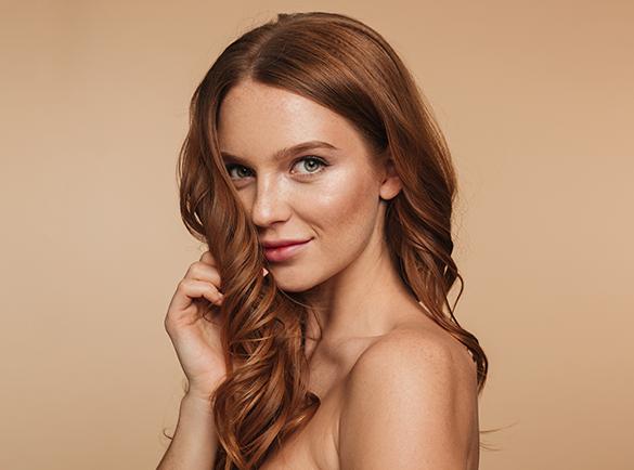 przetłuszczanie skóry głowy – jak sobie z nim radzić?